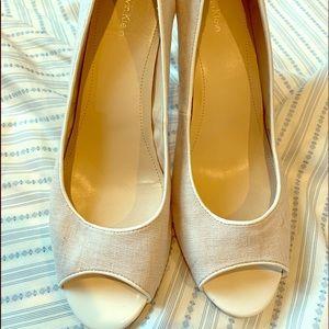 Calvin Klein linen peep toe mid heels 10